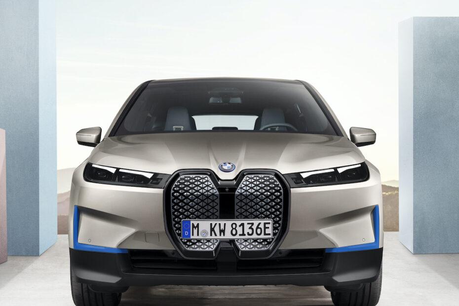 iX front end BMW