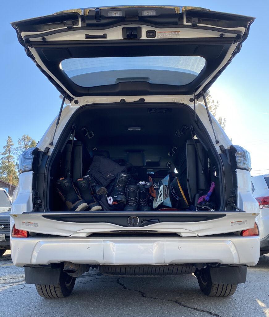 Lexus LX570 storage
